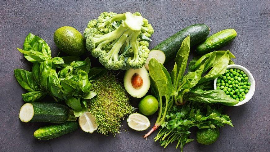 benefici delle verdure, prodotti locali freschi