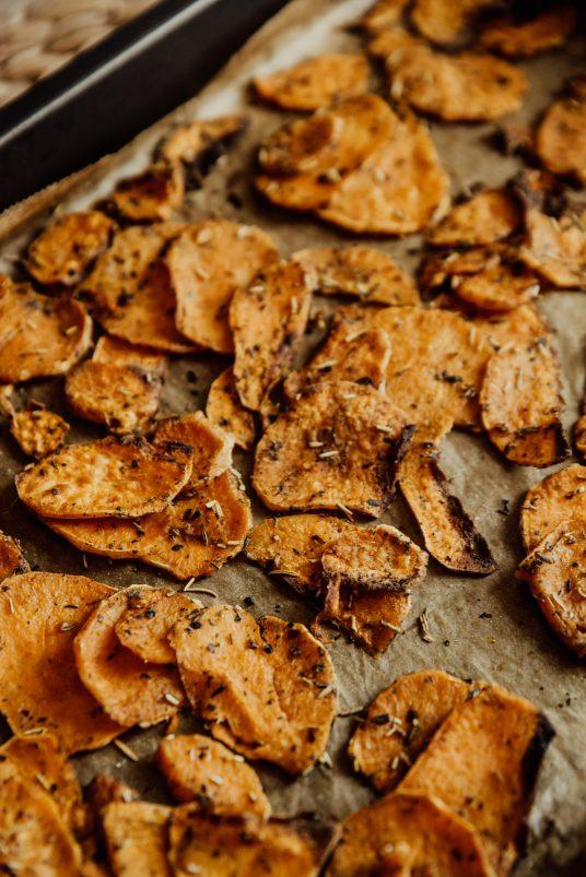 chips con bucce di patate