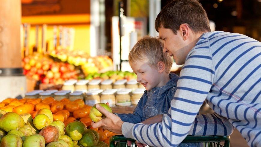 comprare ottima frutta al mercato