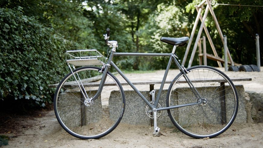 bicicletta per fare ciclismo, che ha numerosi vantaggi e svantaggi