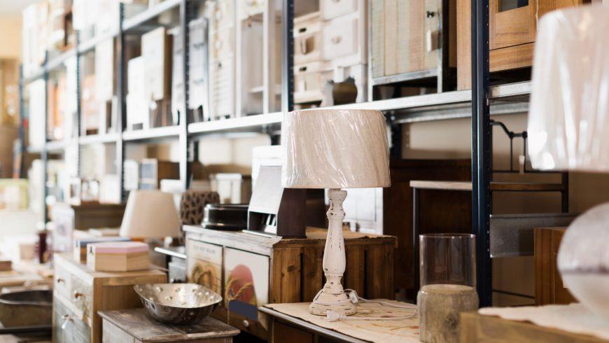 negozio di mobili second-hand
