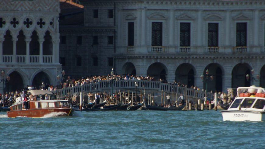 Fenomeno dell'Overtourism a Venezia