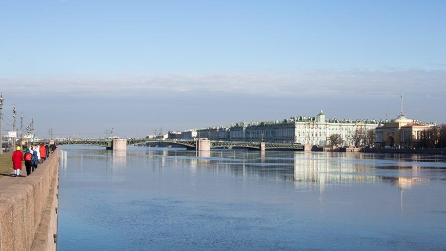 Viaggiare green a San Pietroburgo, lungo la Neva