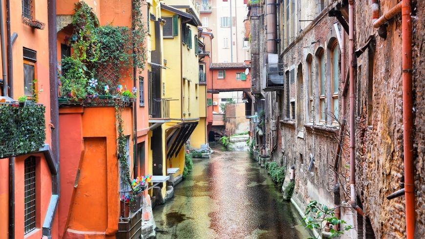 foto della piccola Venezia, ovvero ció che si vede dalla piccola finestrella di Bologna