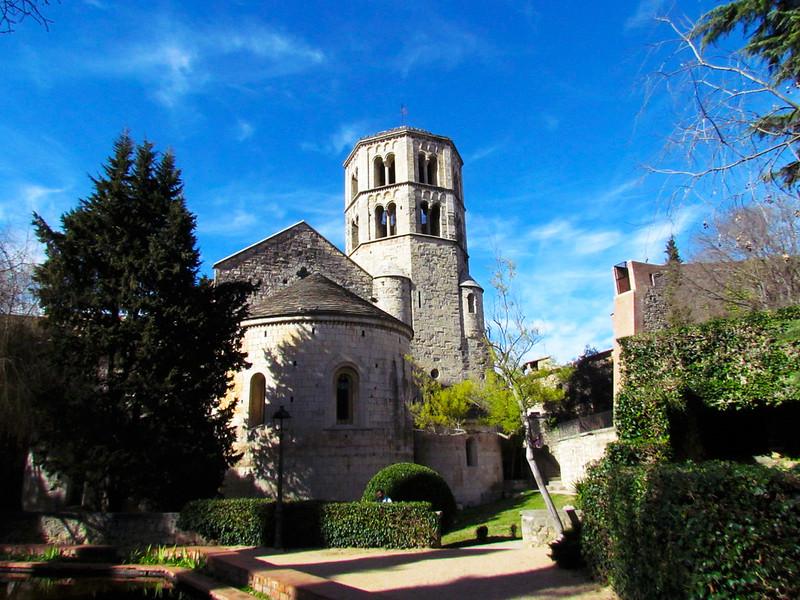 Foto di un castello chiamato San Pere di Galligants a Girona