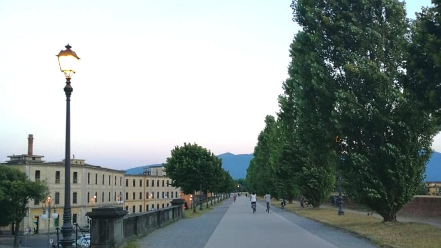 ciclisti sulle mura