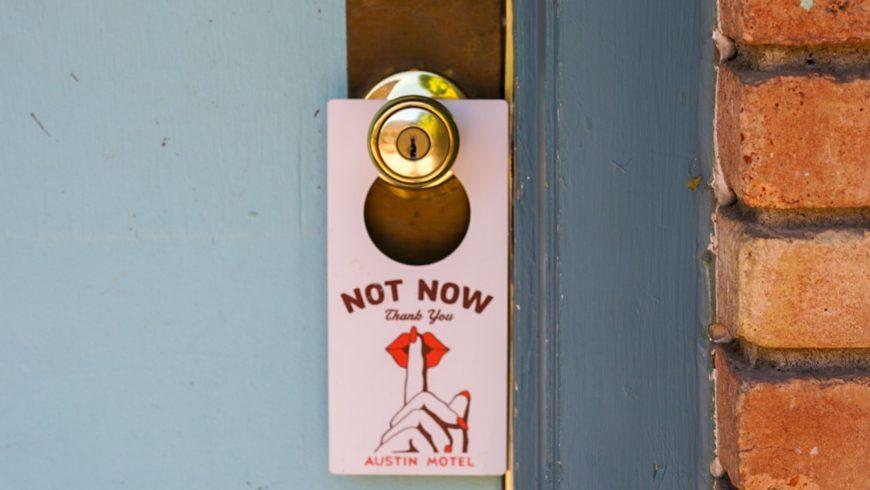 cartello non disturbare da usare in hotel