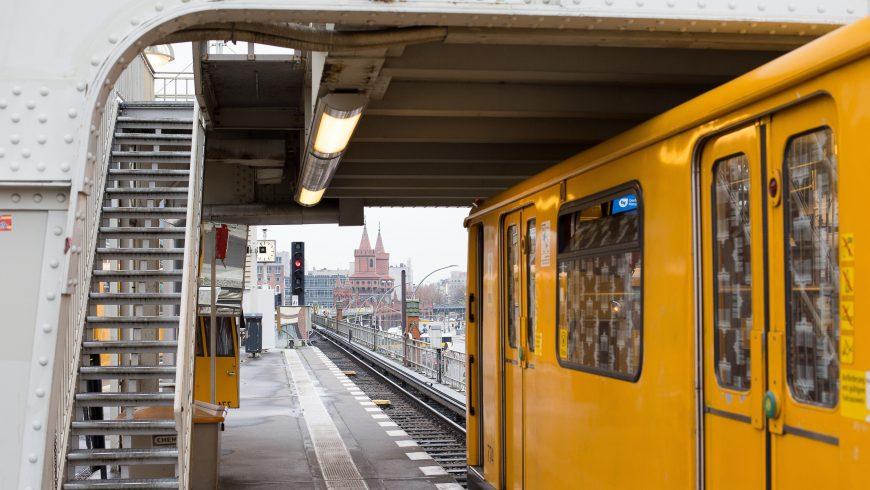 il treno come mezzo di trasporto per un viaggio sostenibile