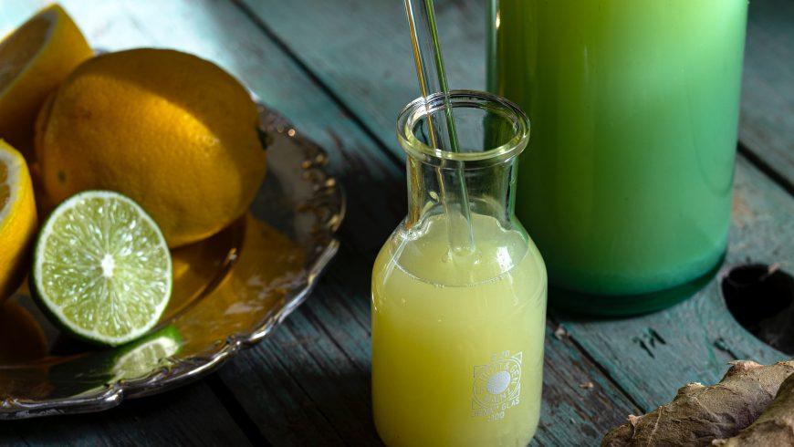 Bottiglie di vetro o lattice, per delle abitudini sostenibili